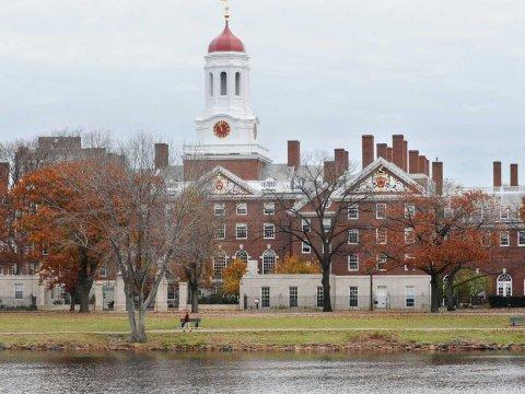 Ini Top 10 Universitas dengan Program MBA Terbaik di Dunia